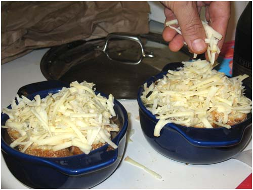 Vegetarian Onion Soup – Assembling